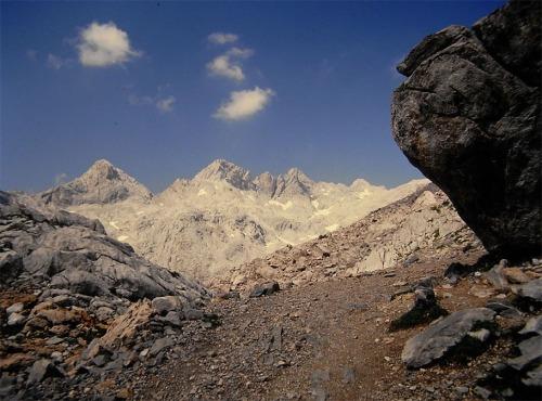 S - Fuentedé, camino del pico Tesorero 900 p